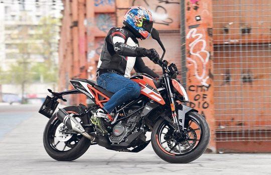KTM-125-Duke-1554469948.jpg