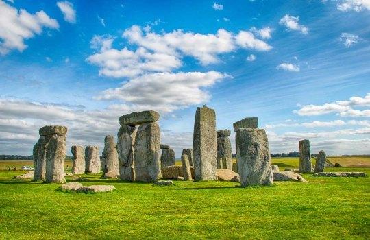stonehenge-1554906188.jpg